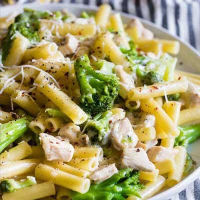 Chicken-Broccoli-and-Ziti